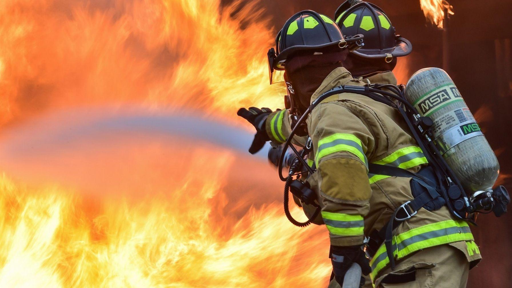 Ako sa vyhnúť požiaru v domácnosti počas Vianoc