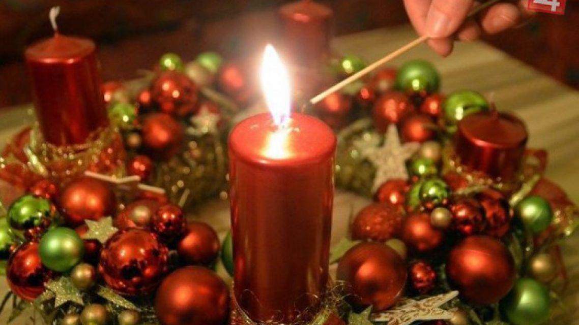 Pozvánka na Vianočný koncert, zasvietenie vianočného stromu a prvej adventnej sviece